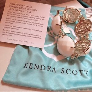 Kendra Scott White Cassie Round Gold Bracelet
